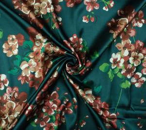 Satyna jedwabna - kwiaty - sygnowana GG - resztka 180 cm x 137 cm