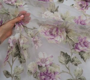 Organza poliestrowa w fioletowe kwiaty