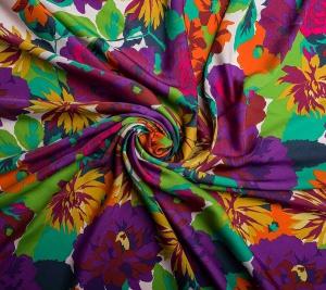 Kolorowe duże kwiaty. Włoskie tkaniny