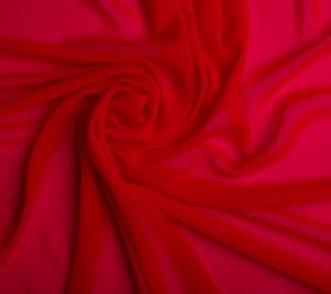 Jedwab krepowy  w odcieniu czerwień