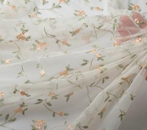 Koronka elastyczna - haft na tiulu