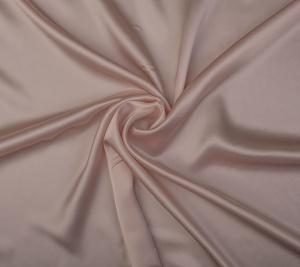 Satyna jedwabna - blady róż - resztka 144 cm x 140 cm