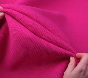 Wełna w kolorze fuksji - płaszczowa